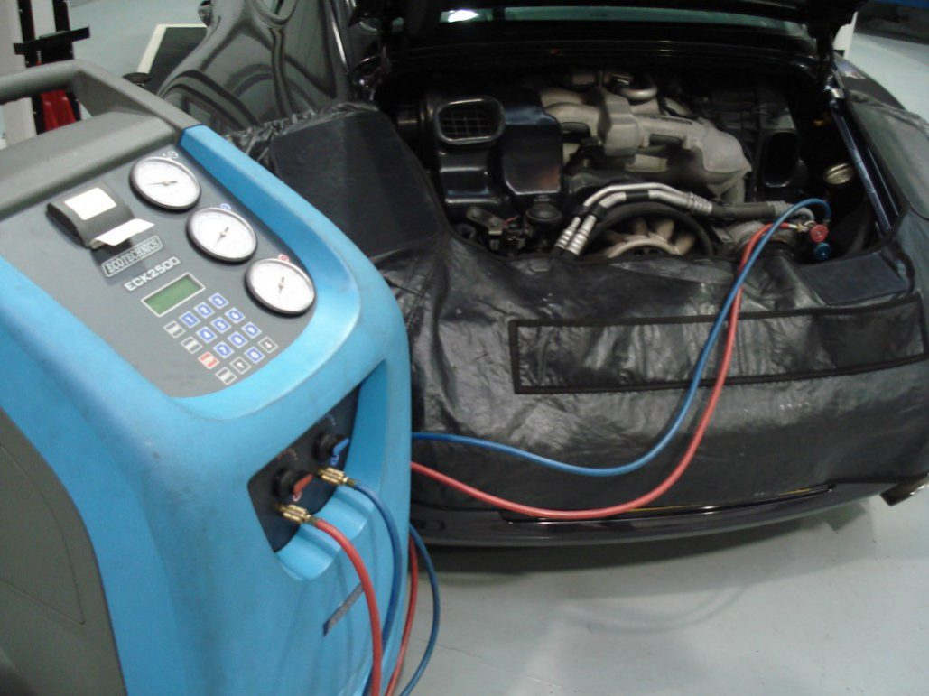 Air condition and regassing George Poole Garage
